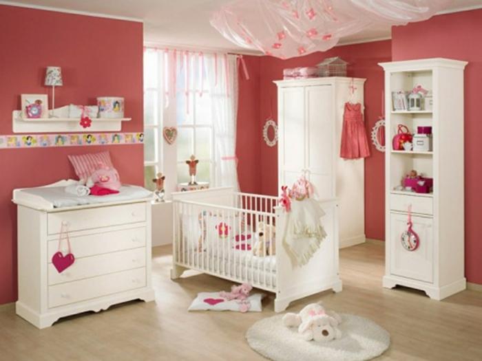 kinderzimmer idee rot und rosa kinderzimmer getsaltungsideen teppich bunte farben lampe herz lampe