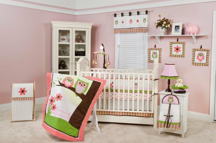 einrichtung kinderzimmer decke eulen grün rosa lila dekorationen bett weiß dekorationen ideen babyzimmer