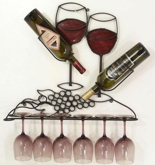 weinregal selber bauen gestaltungsideen wein gläser und flaschen trauben dekoration für die wand