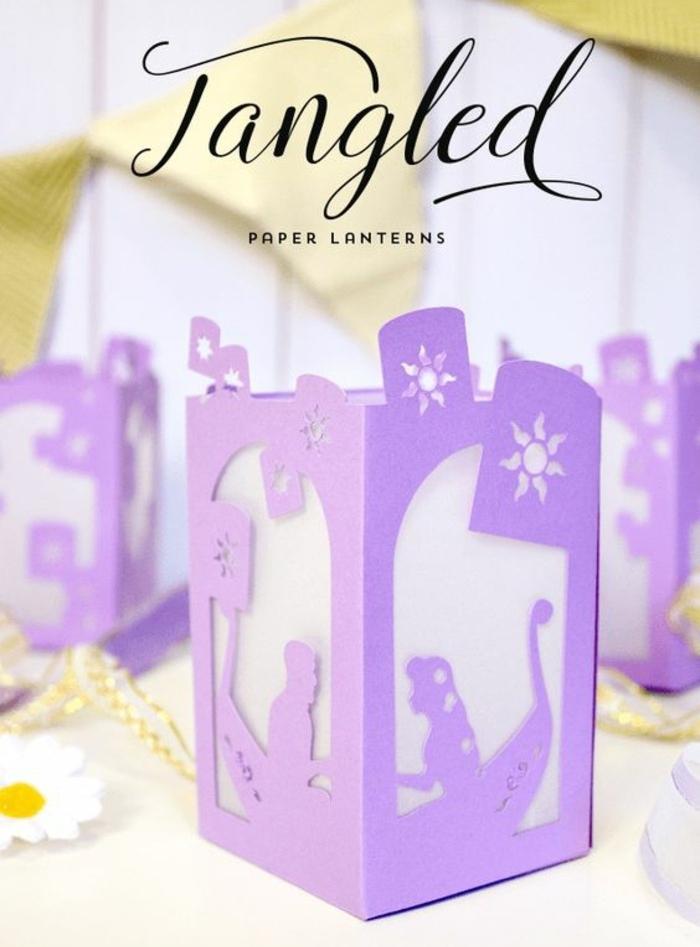 tangled diy laterne in lila, wachspapier, stern, blume
