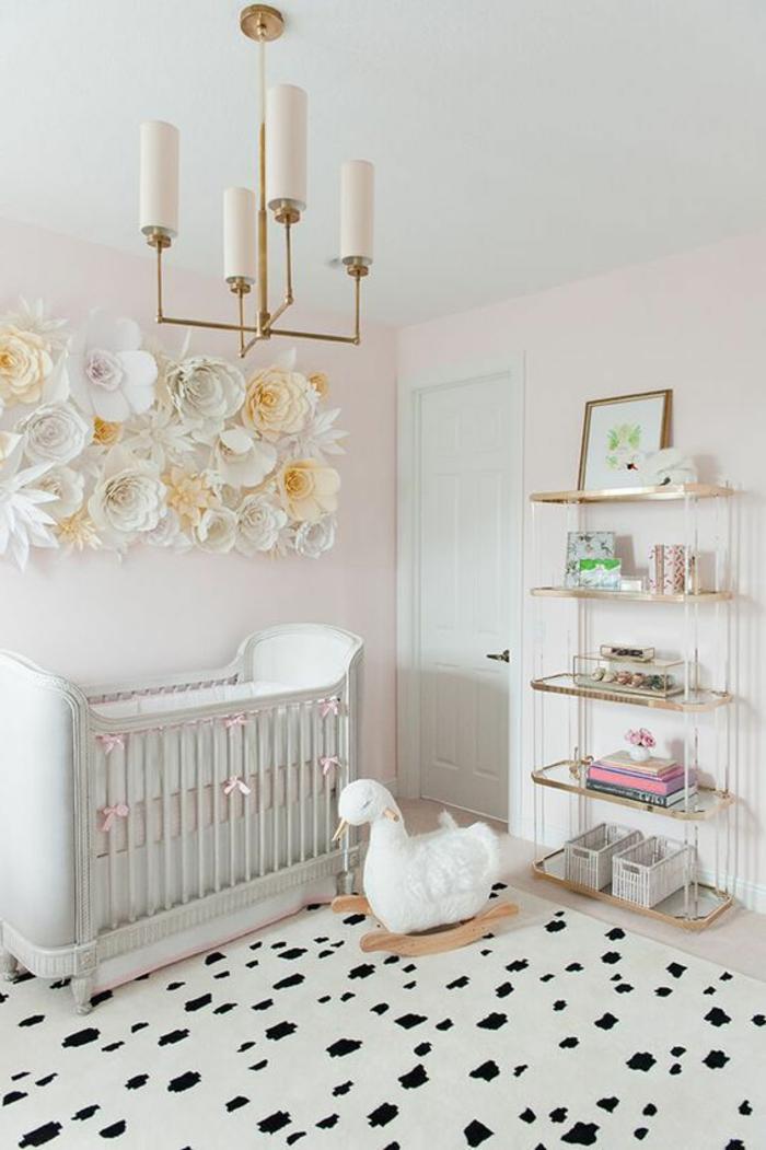 babyzimmer deko papierblumen zum basteln dekoration für babyzimmer mädchen selber machen bett lampe