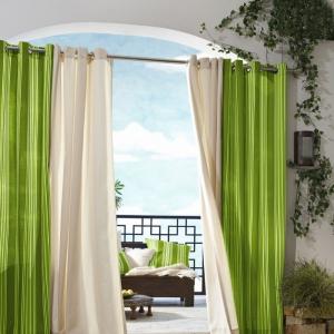 Gemütliche Atmosphäre durch moderne Gardinen und Vorhänge schaffen