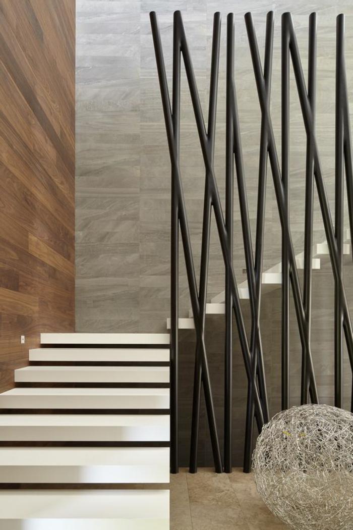 moderner Designer Treppenaufgang braune Nuancen