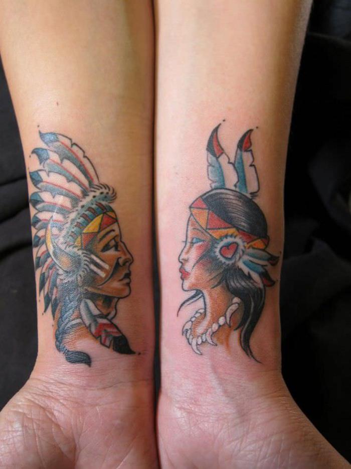 tattoos fuer paare, die sich ergaenzen, indianer motive, bunte farben, arm tattoo