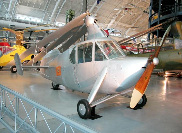 Pitcairn Autogyro AC-35 - dieses graues auto mit propellern war eigentlich das erste erfolgreich geflogene flugato, das eigentlich wie ein hugrschrauber aussieht