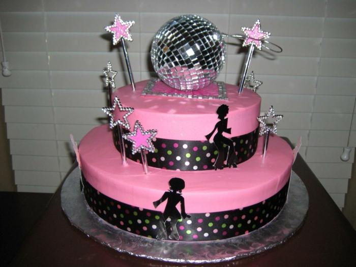 eine Disko Torte für die perfekte 50 er Party in rosa Farbe