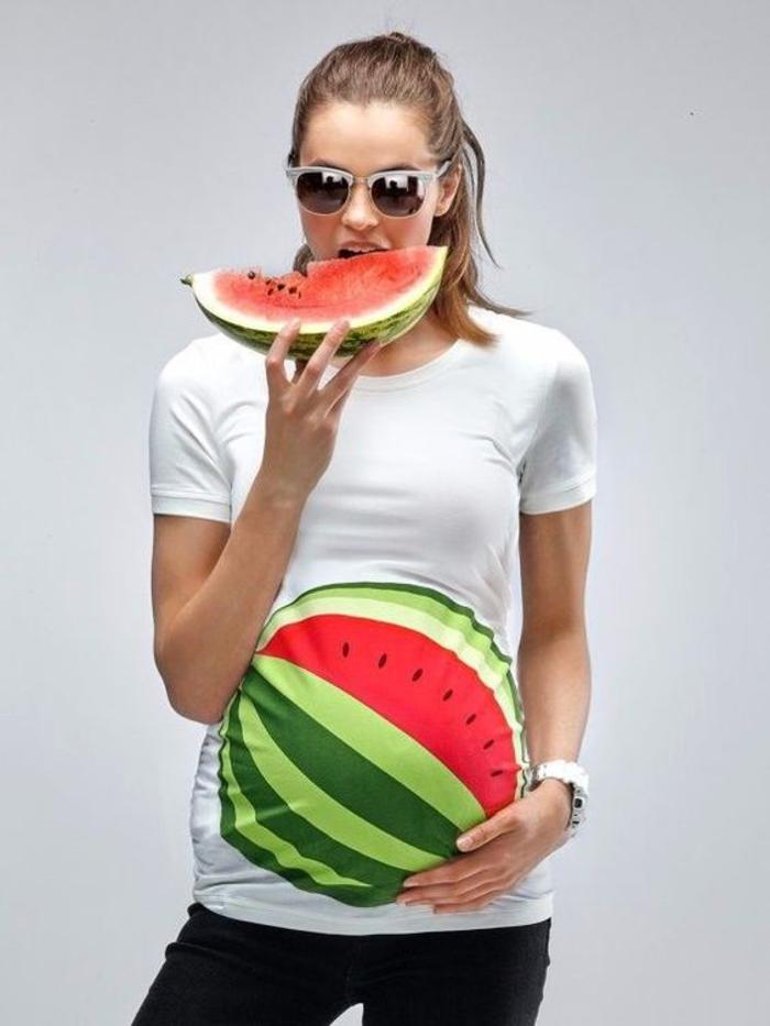 schwangerschaftsmode, lustiger shirt mit wassermelone, weiss, kurze aermel