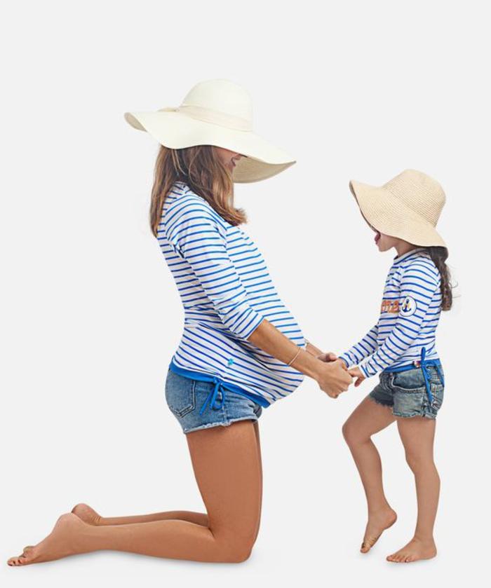 umstandsmode, gestreifte bluse in blau und weiss, shorts
