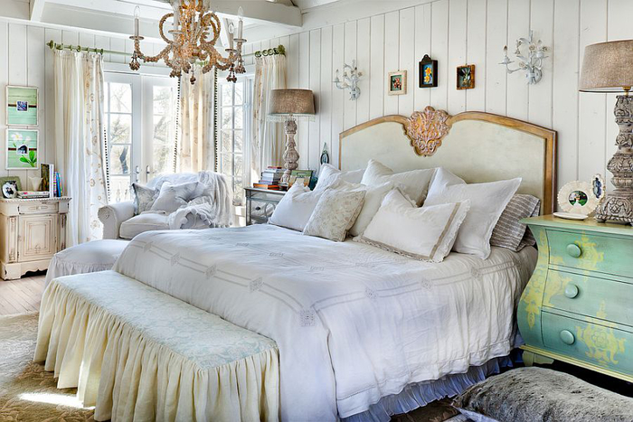 schlafzimmer in shabby chic stilm pastellfarben, holzmoebel