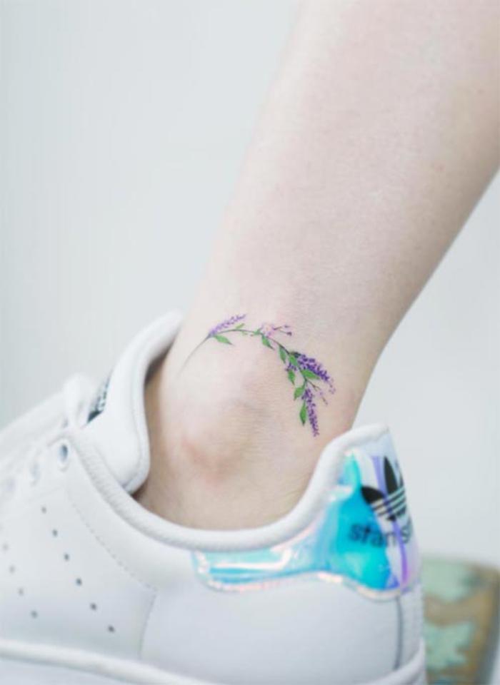 1001 bein tattoo ideen f r jeden geschmack und jedes alter for Minimalist bedeutung