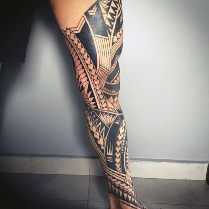bein tattoo, tribal design, tattoo motive fuer maenner, polynesische motive