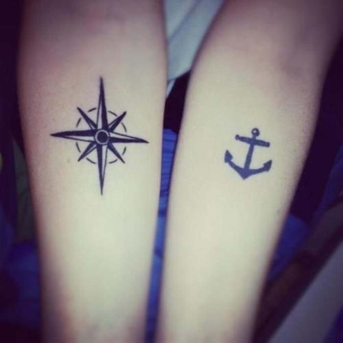 tattoo fuer partner, die sich ergaenzen, kompass und anker, arm tattoos