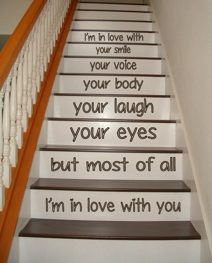 eine liebevolle Botschaft auf den Treppen schreiben - Treppenaufgang Ideen