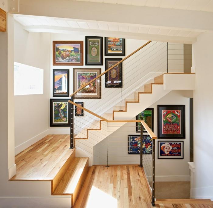 Bilder für Treppenhaus - bunte Bilder das Treppenhaus entlang Laminatboden