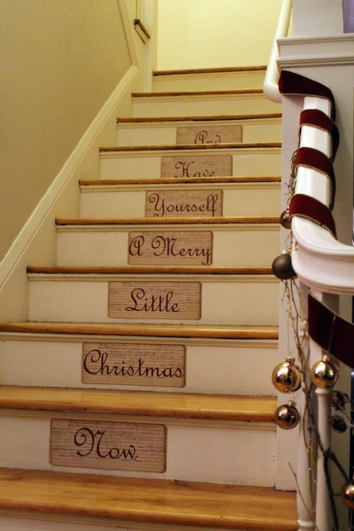 Botschaft zu Weihnachten auf der Treppe mit Tabelle schreiben Treppenaufgang gestalten