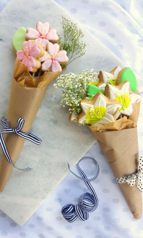 abschiedsgeschenk, blumen-kekse, strauss, geschenk fuer frau