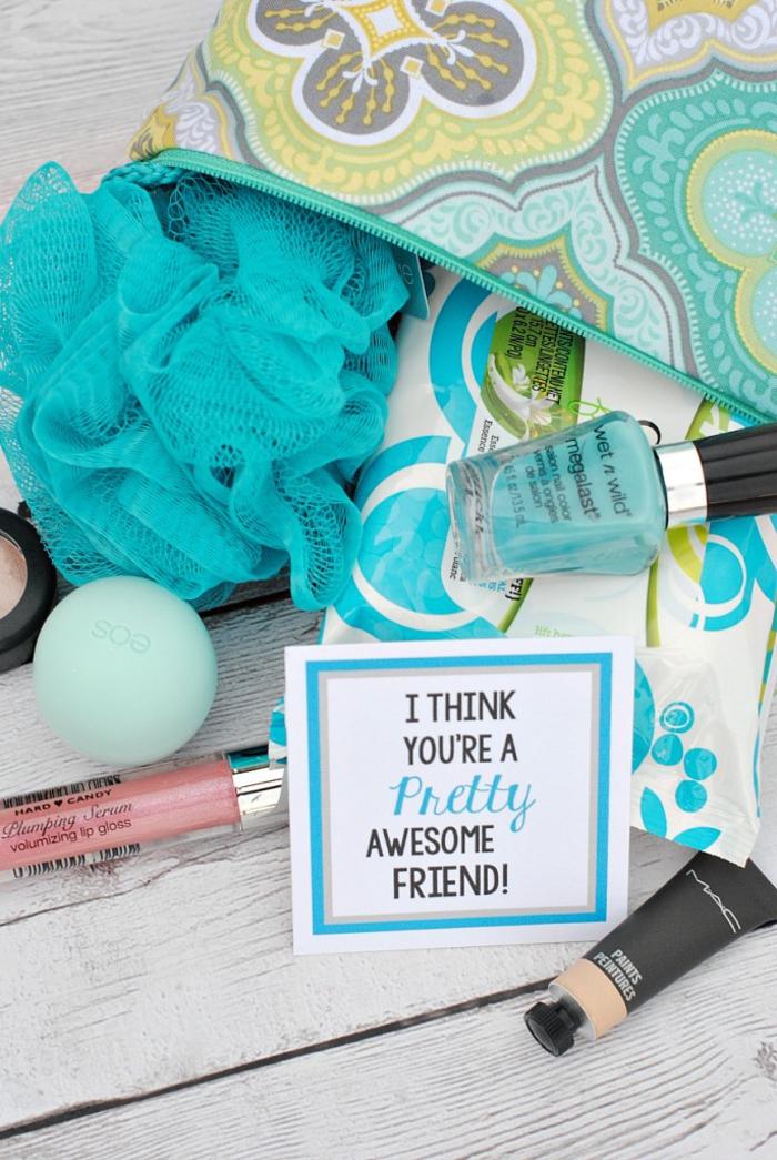 abschiedsgeschenk, kosmetik, nagellack, lippenstift, badeschwamm