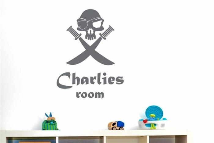 dieses Zimmer gehört Charlies ist unter dem Totenkopf geschrieben Wanddeko Kinderzimmer