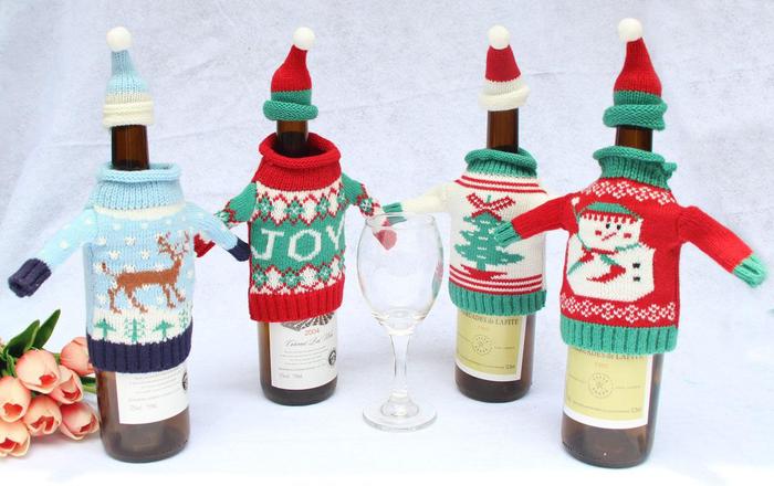weinflaschen dekorieren, strickereien, weihnachtspullover, diy idee, weihnachtsgeschenk