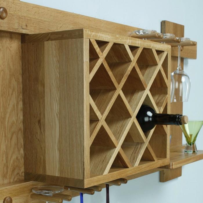 weinregal holz selber bauen idee wie man ein selbst gemachtes weinregal organisieren kann weinflasche