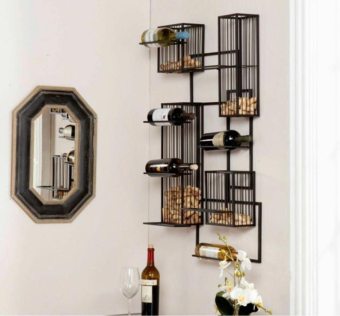 weinregal wand idee was man mit den korken machen kann korken als dekoration nutzen ideen spiegel weinflaschen