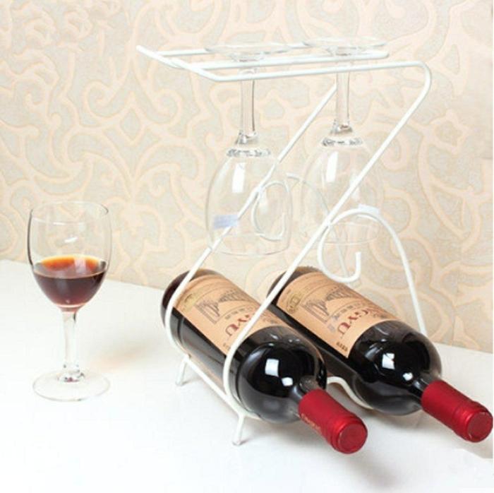 weinregal wand kleine variante für weinregal für zwei flaschen roter wein regal aus metal mit platz für gläser