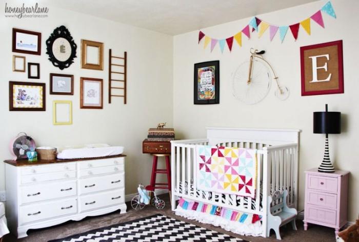 babyzimmer getsalten ideen zum eleganten und farbenfrohen stil im raum, viele wandbilder und fotos, deko, teppich