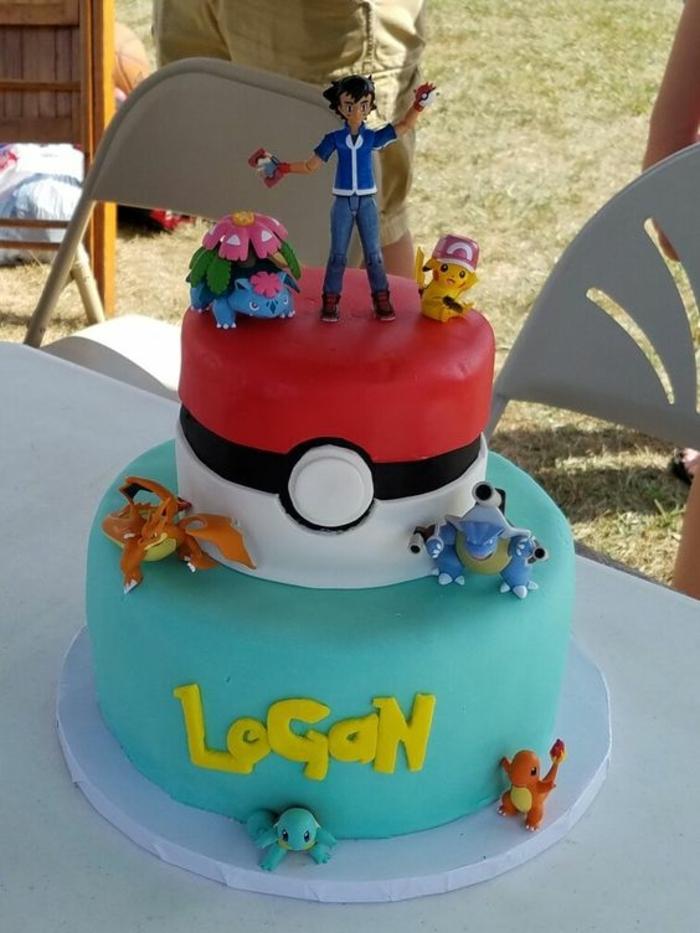 dragon pokemon, drachen pokemon, pikachu, roter pokeball, charmander, bulbasur, junge mit einem blauen hemd - idee für eine zweistöckige pokemon torte
