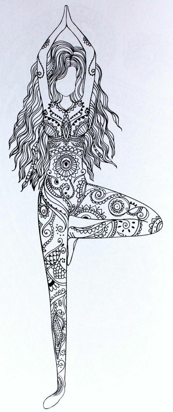 eine Mandala-Zeichnung von einem Mädchen, das Yoga praktiziert, Mädchen mit langen gewellten Haaren, Mini Mandalas