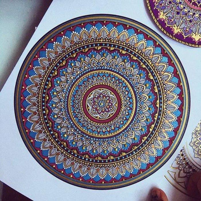 Meister der Mandalas, riesige Mandala-Zeichnungen für Fortgeschrittene mit vielen Details