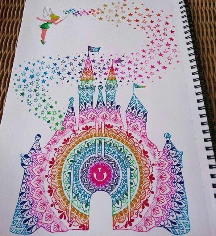 Mandala-Schloss mit intensiven Farben malen, Tinckerbell verzaubert, Fee mit Flügeln, Malblock mit schwarzer Spirale