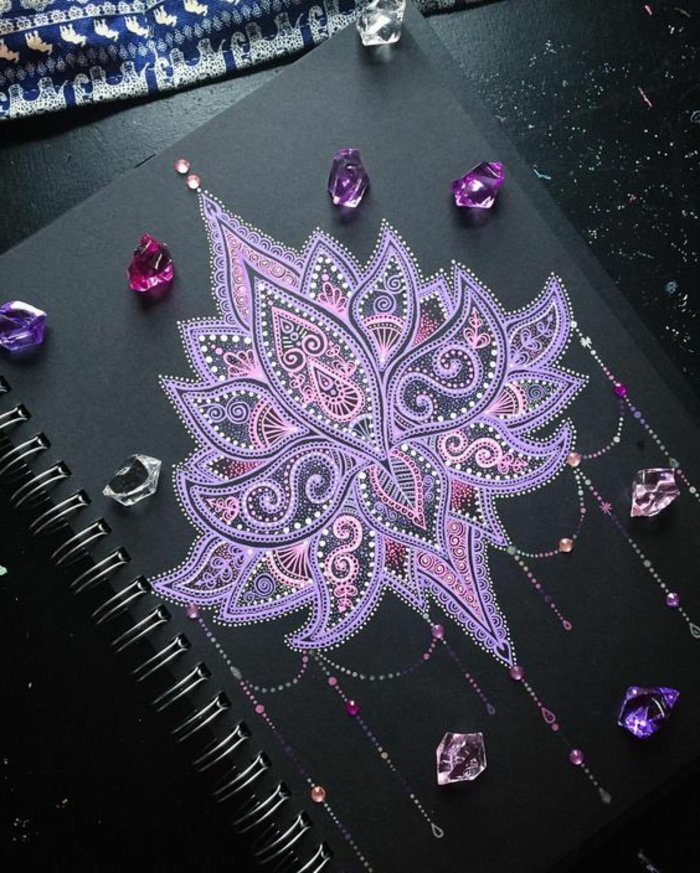 Bilder zum Ausmalen, Zeichenblock mit schwarzem Papier, Spirale, Kristalle, Musterteppich, Marmorboden