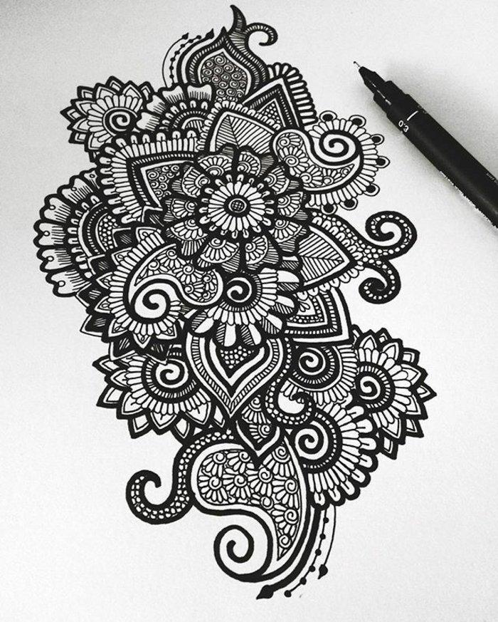 Zeichnung mit gespitzten Formen, Spiralen, Blumenmotive, ausmachen, Zeichentechnik, schwarzer Stift