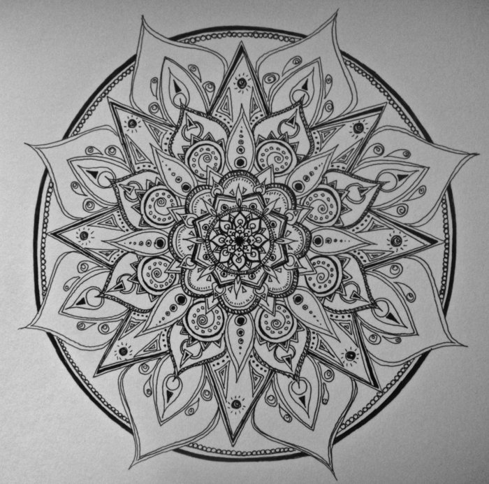 3-D-Illusion, 3-d-Bilder zum Ausmalen, Tropfen, Spitzform, riesiger Kreis, Pyramiden, Kette, Spiralen