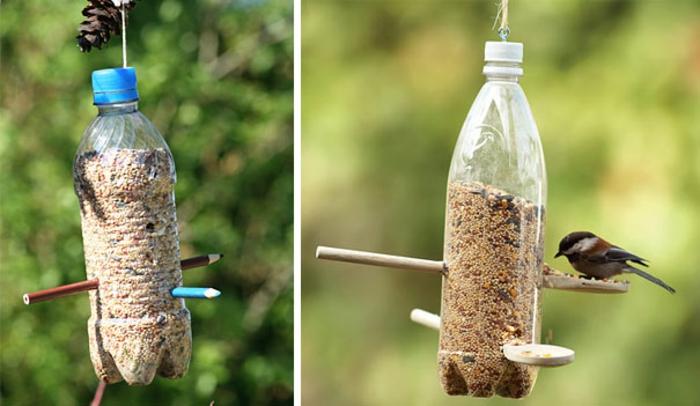 futterhäusschen selber machen und plastikflschen und bleistiften, vogel