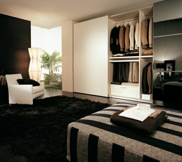 Kleiderschrank Ideen weiß Farbton schwarzer weicher TeppichSchlafzimmer