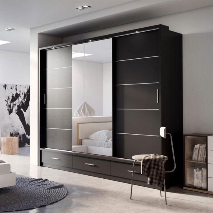 freistehende Wandgarderobe Schiebetür mit Spiegelglas gemütliches Schlafzimmer