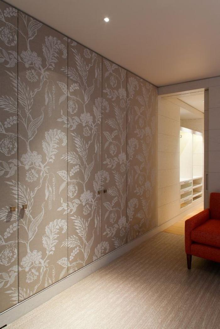 Wandgarderobe verdeckt Deckenspot Flur und Dielen Bereich