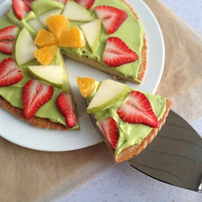 avocado rezept avocadocreme zum naschen oder nachtisch idee süßigkeit erdbeeren orangen obst creme waffel