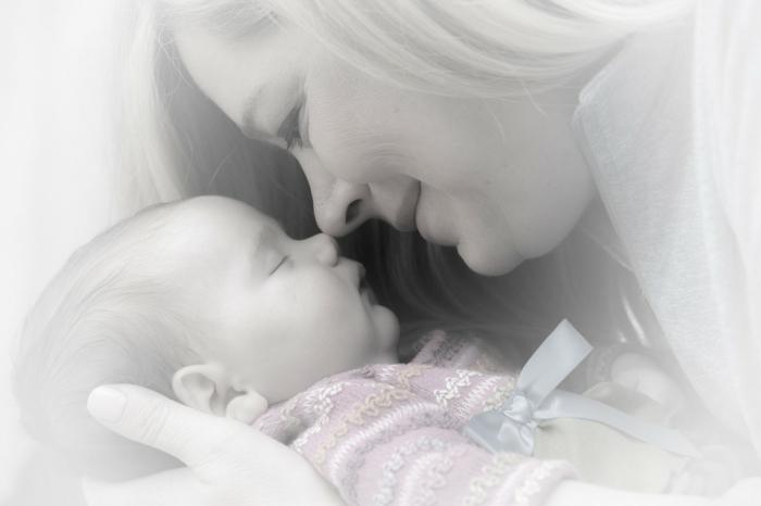 Babysachen - Mutter und Töchterchen
