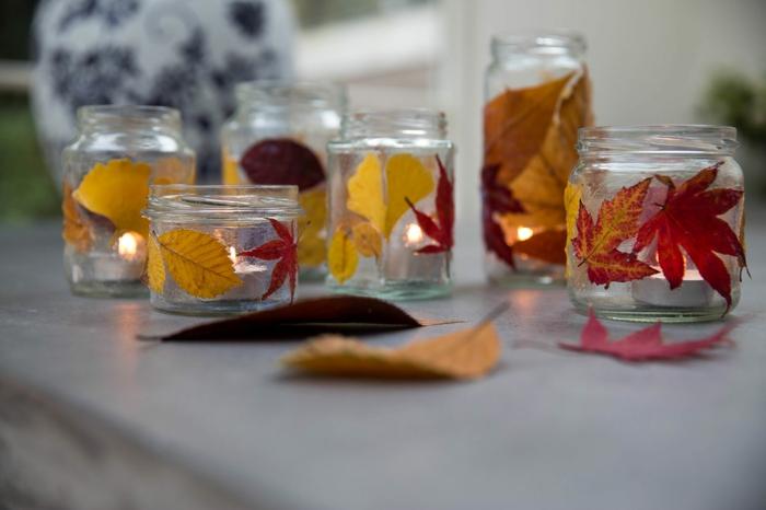 bastelvorlagen herbst, einmachgläser mit blättern dekorieren, teelichthalter selber machen
