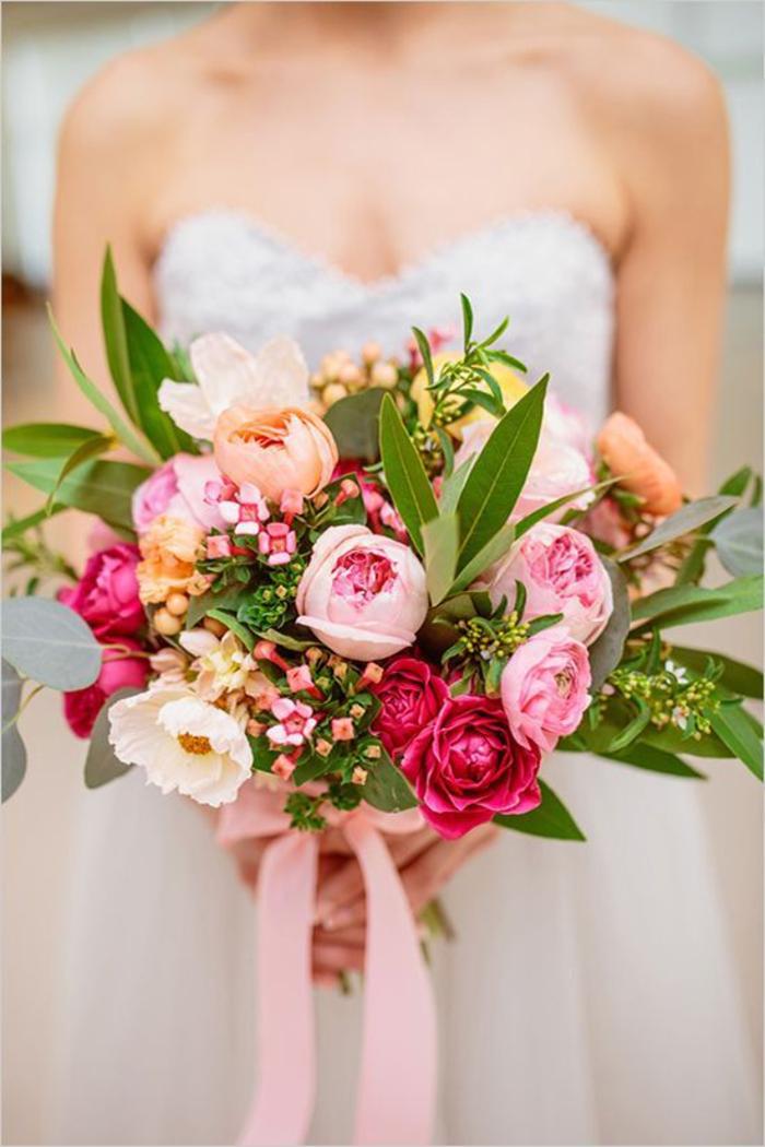 runder Hochzeitsstrauß, rosa Pfingstrosen, Hochzeitsblumen, Hochzeitsideen