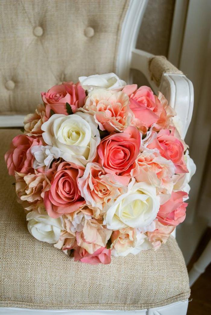 wunderschöner Biedermeierstrauß Rosen, klassischer Hochzeitsstrauß für jede Jahreszeit