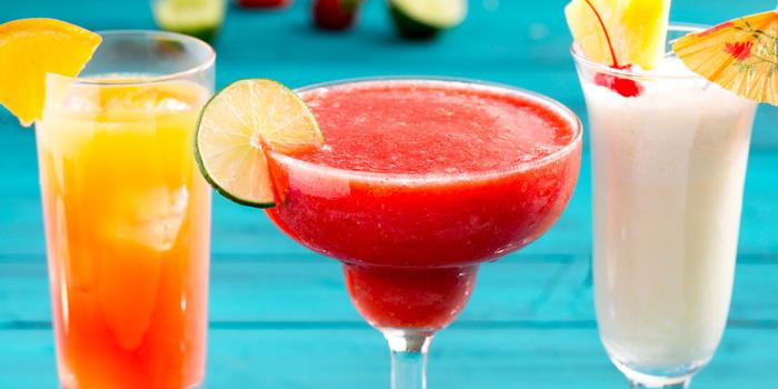 """""""Tequila Sunrise"""", """"Erdbeer Daiquiri"""", """"Pina Colada"""", Rezepte für Cocktails, erfrischende Sommergetränke"""