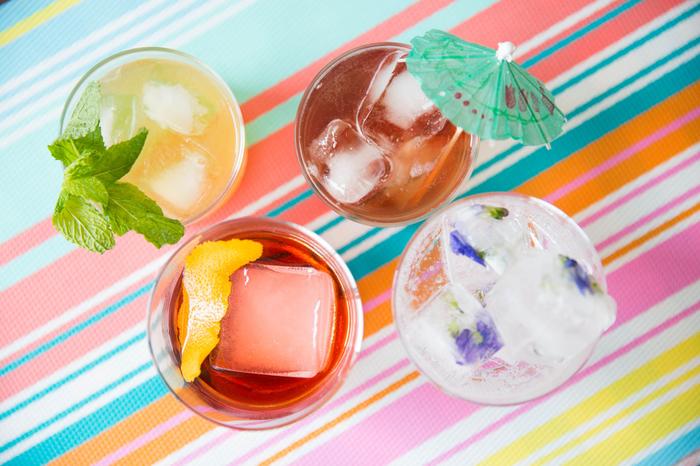 Rezepte für attraktive Cocktails, vier verschiedene Varianten für jeden Geschmack, lecker und erfrischend