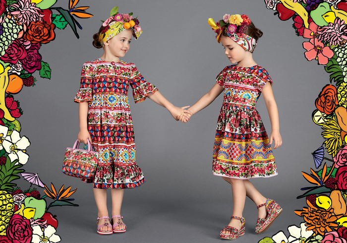 festliche Mädchenkleidung, bunte Kleider in grellen Farben, Sommer 2017, neue Tendenzen