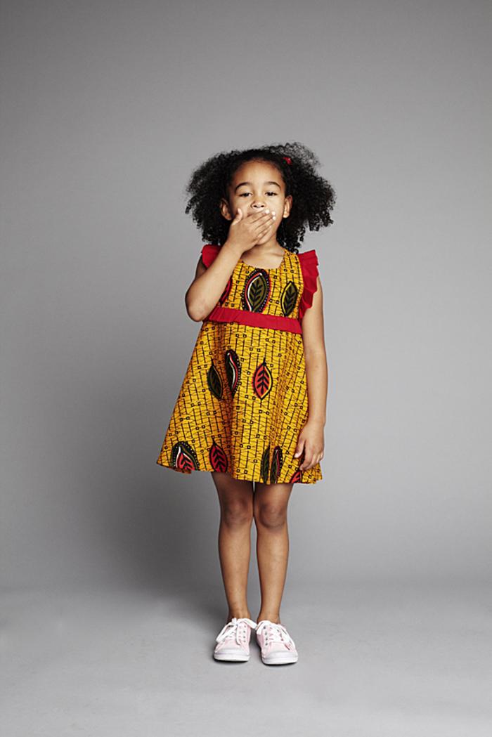 Kindermode 2017, Sommerkleid in Gelb und Rot, festliche Mädchenkleidung