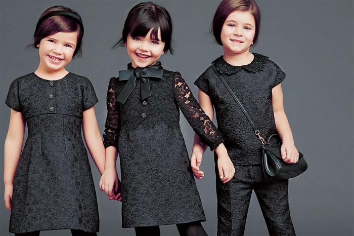 festliche Kinderkleider, elegante Mädchenkleidung in Schwarz, Modetrends Frühjahr/Sommer