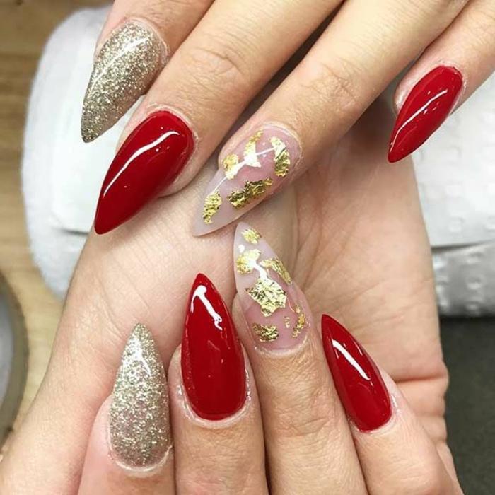 fingernägel bilder rote nägel goldene glitzernde nägel mit buntem design klasse stilvolle maniküre