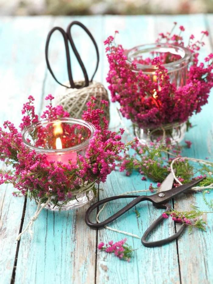 leinenschnur, keruenhalter aus glas mit rosa blumen dekorieren
